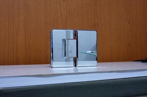 glass hinge 180